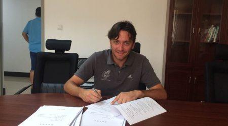 El Técnico Poblano 'Fragua', Asistente De Andoni Bombin En La Selección Sub-17 De Haikou